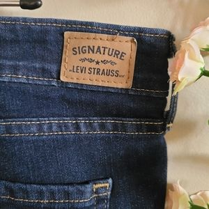 Levi's Mid Rise Dark Wash Plus Size Jeans